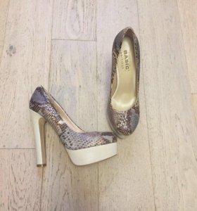 Basic кожаные туфли 38 размер