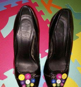 ☑ Туфли лаковые с пуговицами