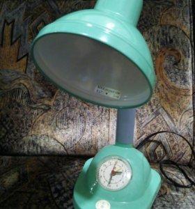 Светильник с часами
