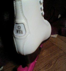 Коньки профессиональные,для фигурного катания WIFA