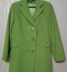 Пальто весна-осень , новое