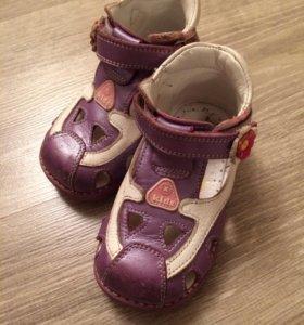 Обувь для девочки 21 р.