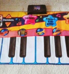 Большой детский синтезатор
