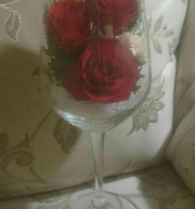 Живые цветы в бокале