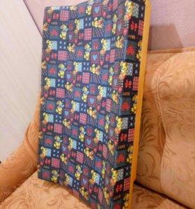 2 пеленальных матраса: на кроватку + на камод