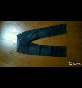 Джинсы и брюки полуклассика