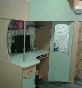 Продам детскую стенку (кровать, шкаф, стол)