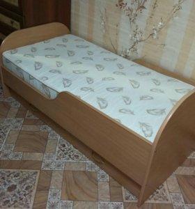 Кровать для дошкольникa с матрасом