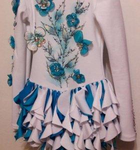 Платье для выступлений по фигурному катанию