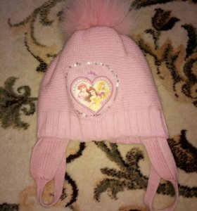 Теплая шапка на девочку 3-5лет