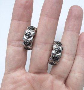 Серьги серебро и чёрные фианиты.