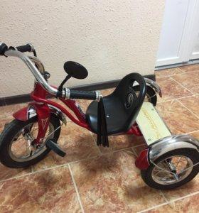Трехколёсный велосипед Schwinn Roadster Trike