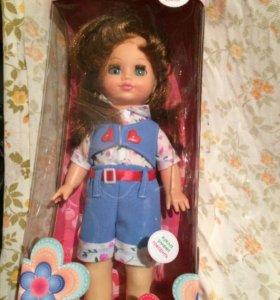 Кукла Россия умеет говорить
