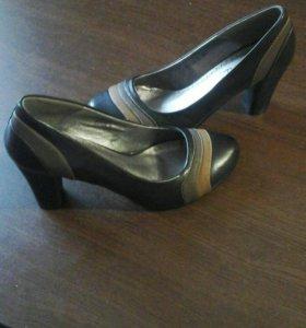 Туфли новые 37 размер.
