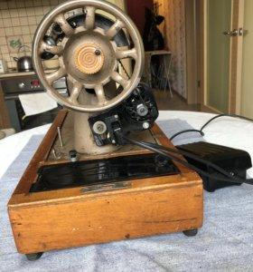 Швейная машинка Подольск с электроприводом.
