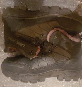 Ботинки зимние новые 40 размер
