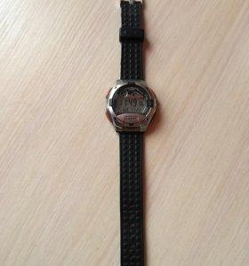 Часы Casio оригинал водонепроницаемые.