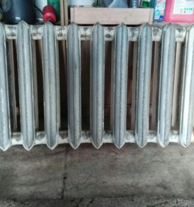 Чугунный радиатор отопления.