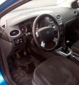 Ford Focus 2 ( хэтчбек ) 2,0 145 л/с 2005г