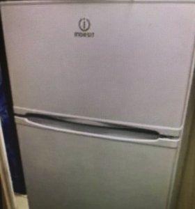Холодильник Indesit ST167