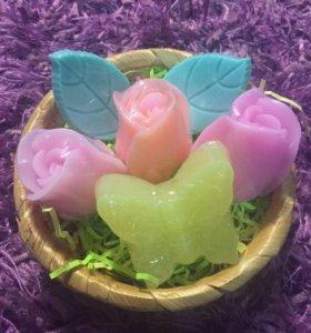 Набор из мыла корзина цветов и бабочка!