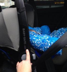 Автокресло Britax Roemer Baby-Safe i-Size (серый)