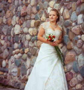 Свадебное платье, цвета айвори.