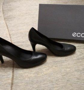 Новые туфли Ecco р.39