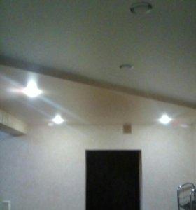 Натягиваем натяжные потолки