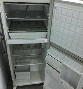 Двухкамерный б у холодильник