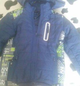 Куртки на мальчика.