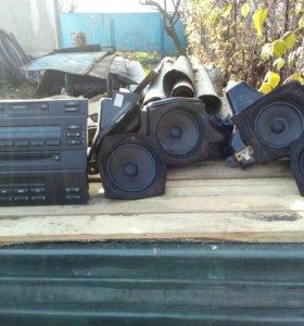 Магнитофон и динамики БМВ е39 .