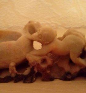 Статуэтка мыльный камень/резьба обезьянки