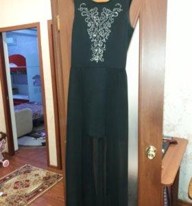 Вечернее шикарное платье со шлейфом!