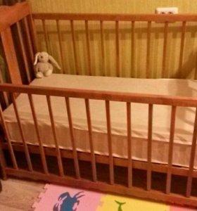 Детская кроватка маятник + матрас.+ванна
