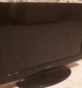 """Samsung 32"""" 81 см как новый"""