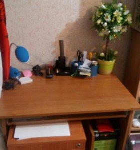 Компюьтерный стол