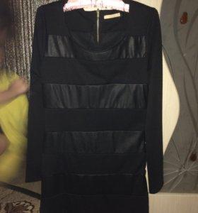 Платье с кожаными вставками р-р L