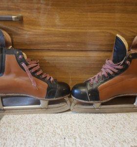 Хоккейные коньки 44 размер 1981г