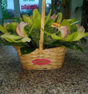 Корзина Цветов и Цветы в коробках