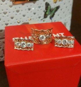 Золотой комплект с фианитом: серьги + кольцо