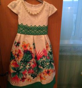 Платье. 122 рост