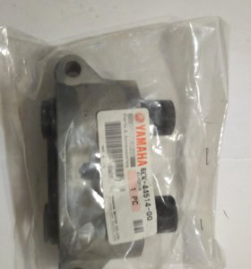 Крепление демфера Yamaha LF115XB 0214