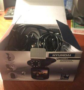 Новый видеорегистратор Hyundai H-DVR12