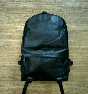 Рюкзак черный кожаный
