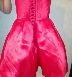 Платье коктейльное нарядное
