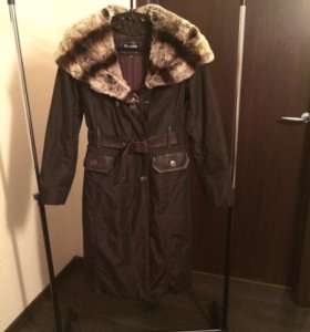 Пальто зимнее с шиншилловым капюшоном