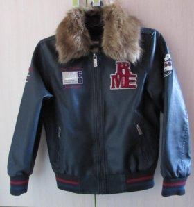 Детская кожаная куртка с вышивкой