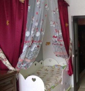 кровать для девочки со шторками