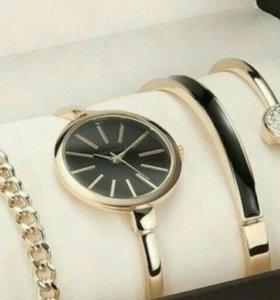 Изящные женские часы с браслетами